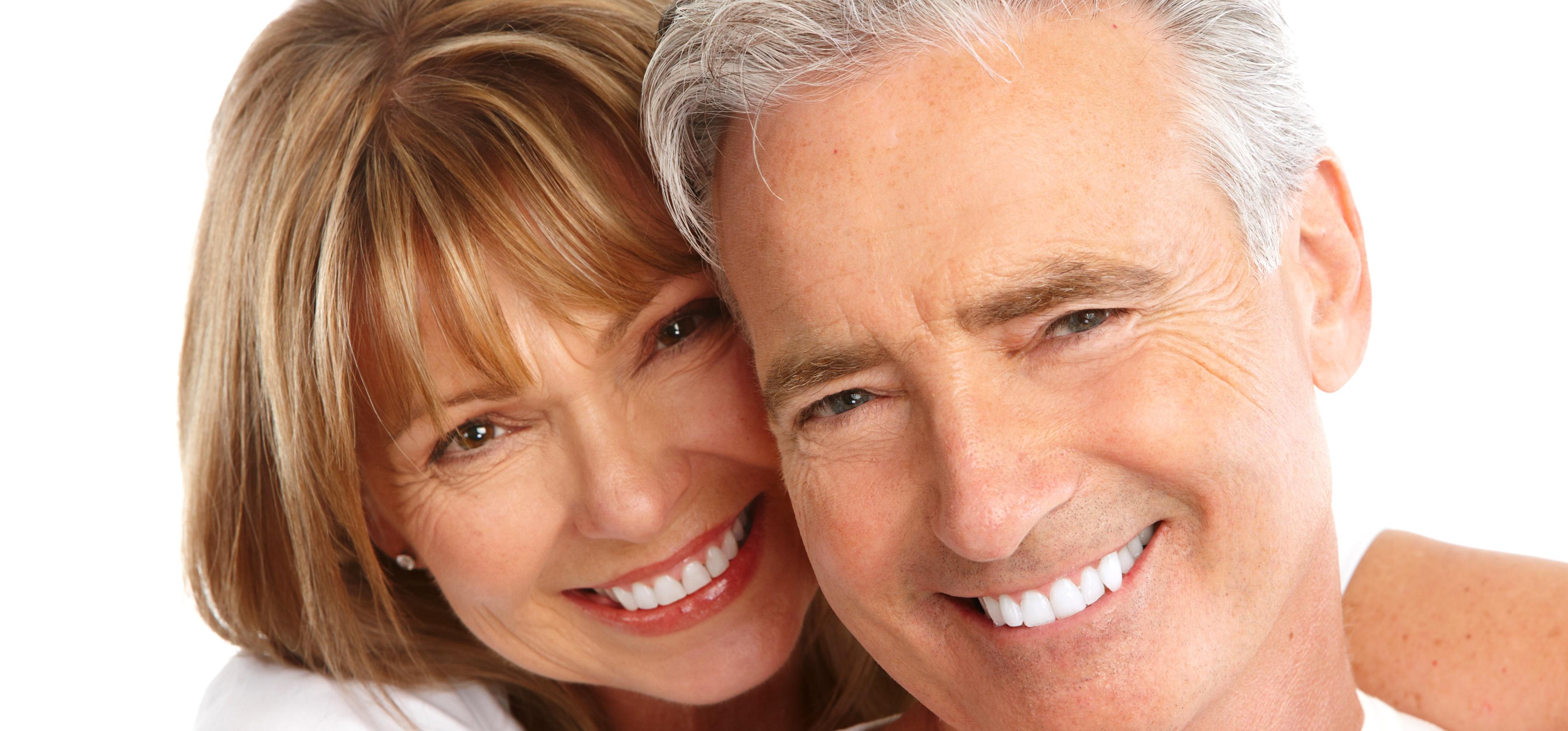 smiling-couple-horizontal